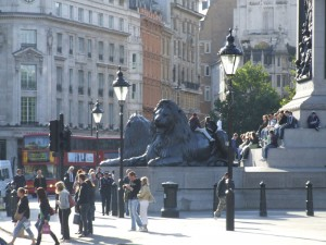 Trafalgar Sq original 3 lamps DSCF3734
