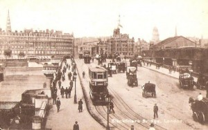 bus-trams-blackfriars-bridge