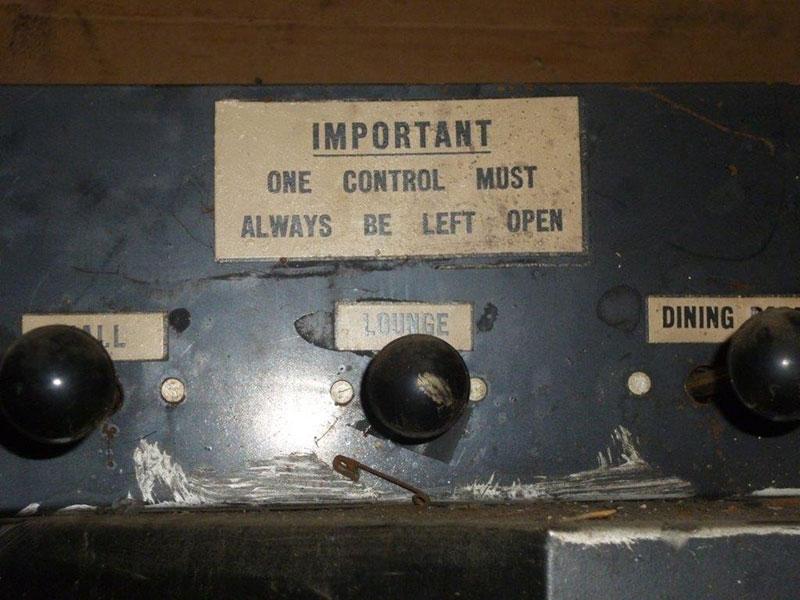Controls-vert-down-P1080162[4]